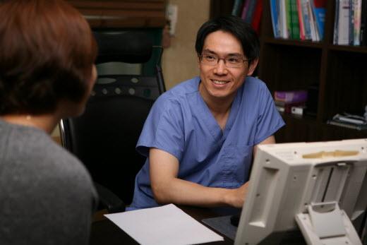[김택훈원장의 부산모발이식(54)] 남성탈모, 조기 진단과 치료 중요