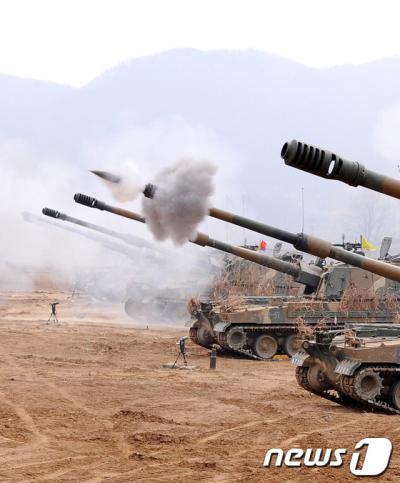 지난 2012년 3월22일 경기도 파주시 파평면 나루터 진지에서 육군 868포병대대가 K-9 사격훈련을 하고 있다. /자료사진=뉴스1