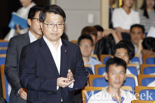 [MW사진] 진웅섭 금감원장, '핀테크 해외진출 전략 세미나' 참석