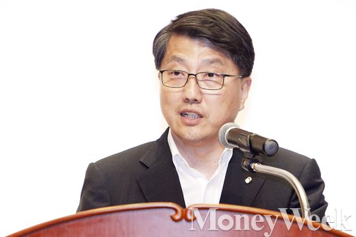 [MW사진] 인사말하는 진웅섭 금감원장
