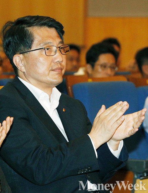 [MW사진] 핀테크 산업 지원 의지 밝힌 진웅섭 금감원장