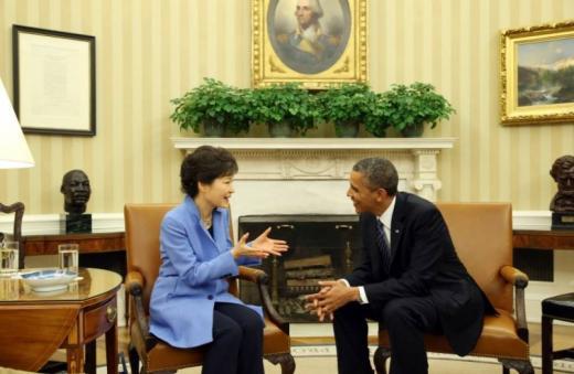 지난해 2월 백악관에서 만난 한미 정상. /자료사진=청와대 제공