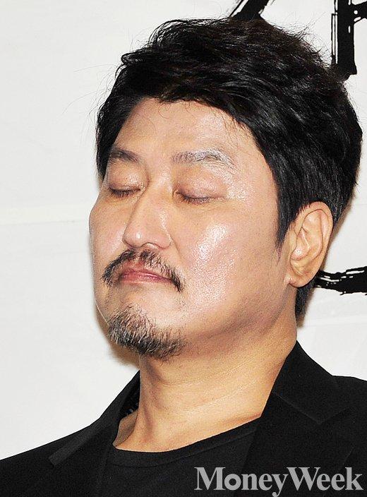 """[MW사진] 사도 송강호 """"인간적인 왕의 모습 보여주고 싶었다"""""""