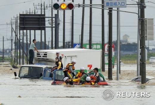 제18호 태풍 아타우가 휩쓴 일본에서 구조작업이 이뤄지고 있다. /자료사진=뉴스1(로이터 제공)