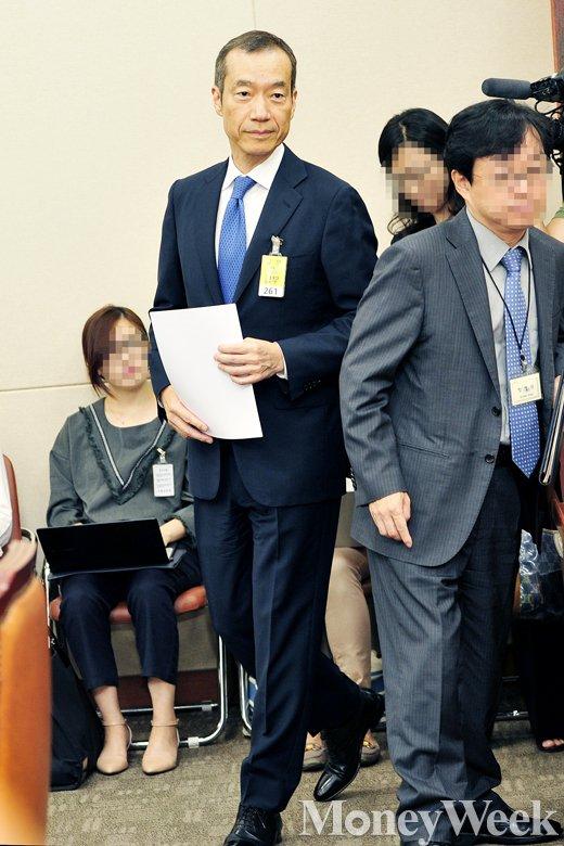 [MW사진] 금융위 국감, '증인 출석한 최치훈 사장'