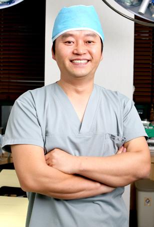 [노윤우 원장의 정수리 모발이식병원(244)] 비절개모발이식 수술도 맞춤형 치료 중요
