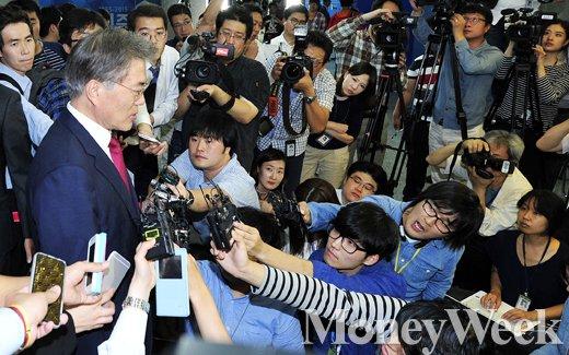 [MW사진] 새정치연합 중앙위원회, '문재인 재신임' 첫 관문 통과