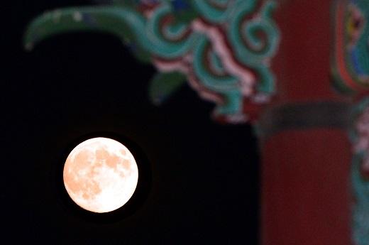 추석에 뜨는 가장 큰 보름달 '슈퍼문'./사진=뉴스1DB