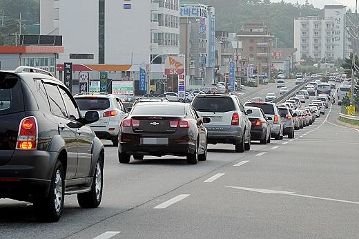 고속도로 교통상황 양방향 극심한 정체./사진=뉴스1 엄용주 기자