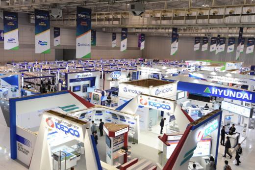 광주 김대중컨벤션센터에서 지난 12일부터 14일까지 3일간 열린 BIXPO2015 전시장.
