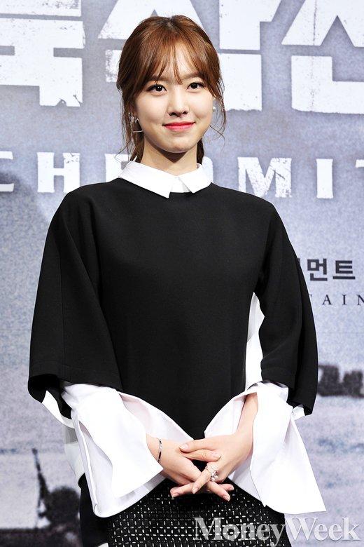 [MW사진] '홍일점' 진세연, 매력적인 미소