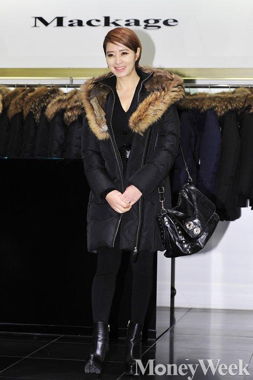 [MW사진] 김혜수, 누가 40대로 볼까