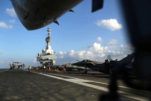 '러시아 IS공습' '프랑스 IS공습' 사진은 프랑스의 샤를드골 항공모함 /사진=뉴스1(AFP뉴스 제공)