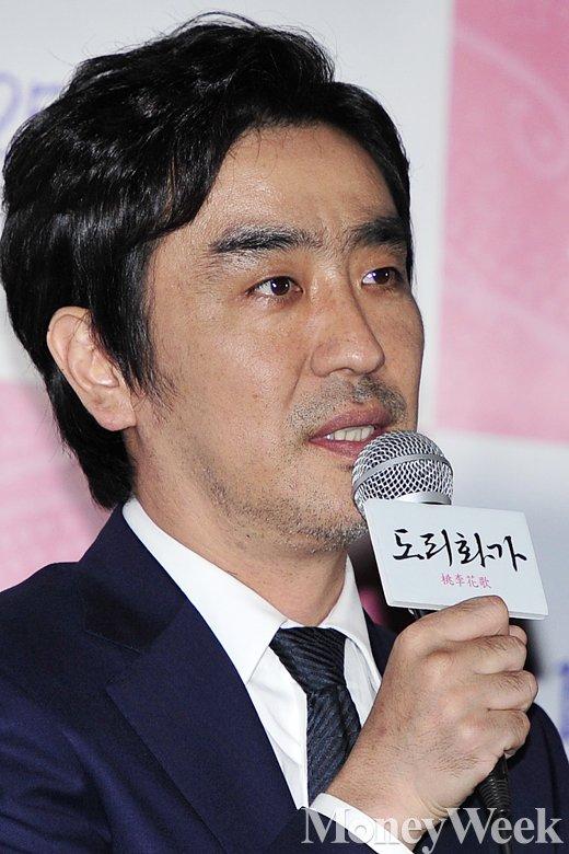 """[MW사진] 류승룡 """"수지와 즐겁게 촬영했다"""""""