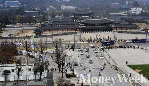 [MW사진] 김영삼 영결식, 광화문 지나는 김영삼 전 대통령 운구행렬