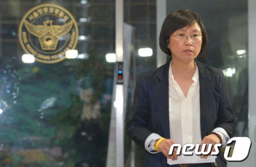 김현 새정치민주연합 의원이 세월호 유가족의 대리기사 운전 폭행 사건과 관련해 지난해 9월 서울 영등포경찰서에서 조사를 받은 뒤 나오고 있다. /사진=뉴스1