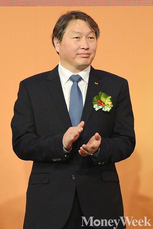 [MW사진] 착잡한 표정의 최태원 SK그룹 회장