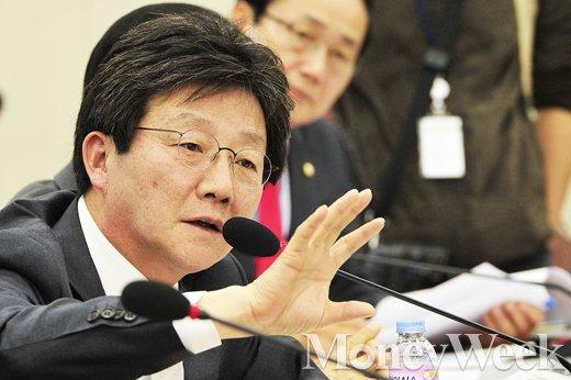 [MW사진] 북한 4차 핵실험 관련 유승민 의원의 연이은 질의