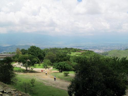 오악사카 시내가 보이는 몬테알반