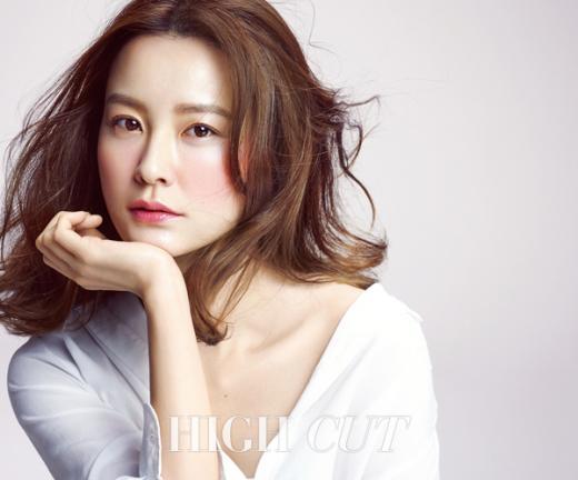 정유미 뷰티화보, 사랑스러운 봄의 여신 완성