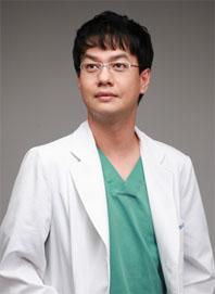 [김주용 원장의 비절개모발이식센터③] 비절개 모발이식 성공 척도는 의료진 실력과 노하우에 달려 있어