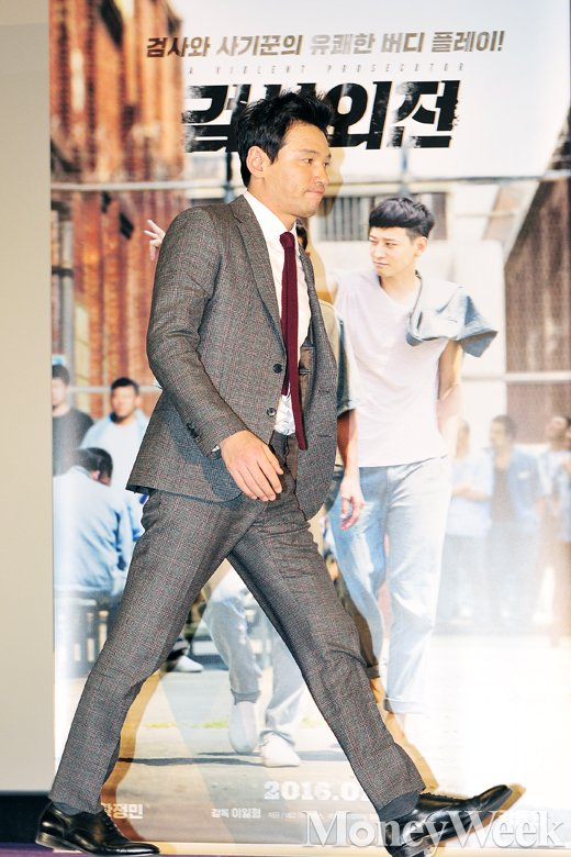 [MW사진] 황정민, '충무로 흥행수표의 입장'