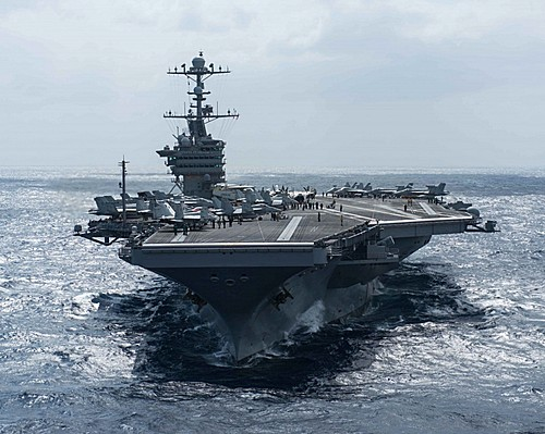 지난달 25일 필리핀 해역에 있는 미국 존 스테니스 항공모함. /자료사진=뉴시스(미국 네이비타임스 제공)