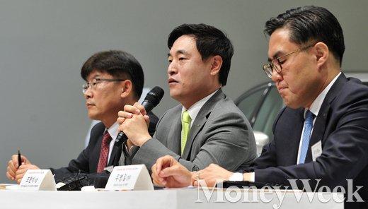 [MW사진] 한국타이어 익스피리언스데이, '질문에 답하는 조현식 사장'