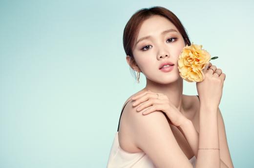 러브캣 비쥬, 이성경 광고 미공개컷 공개