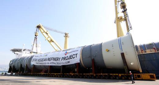 터키 정유공장 건설에 쓰일 초대형 화물 운송 프로젝트도 수행했다. /사진=CJ대한통운 제공