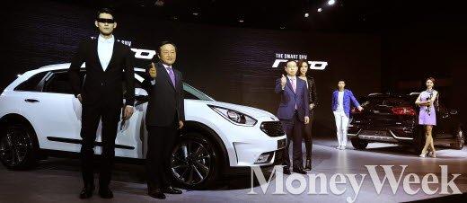 기아차가 소형 하이브리드 SUV 니로를 출시했다. 판매목표는 연간 4만대. /사진=임한별 기자