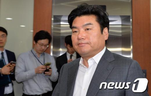 지난 14일 긴급 최고위원회에서 새누리당 원유철 원내대표가 비상대책위원장으로 추대됐다. /사진=뉴스1