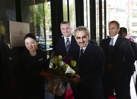 [호텔가] '4대 부호' 사우디 알 왈리드 왕자, 포시즌스호텔 방문