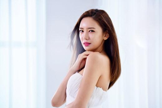 이태임, 화장품 브랜드 'ELKRIS' 전속모델 발탁