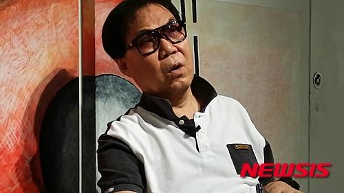 대작 의혹 조영남 소속사 대표가 검찰 조사를 받았다. /자료사진=뉴시스