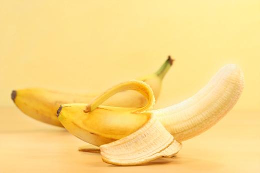과일껍질 농약을 피하려면 벗겨먹거나 중성세제로 씻어 먹는 것이 좋다. /자료사진=이미지투데이
