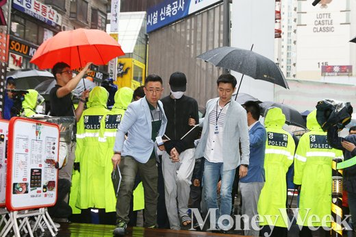 [MW사진] 현장검증 모습 드러낸 강남역 살인 피의자 김모씨