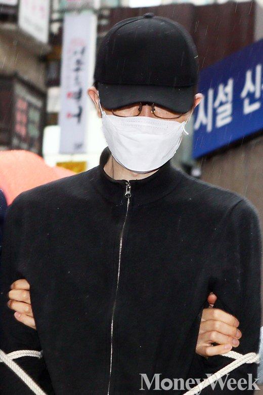 [MW사진] 현장검증 모자 푹 눌러쓴 강남역 살인 피의자