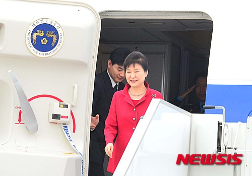 박근혜 대통령이 1일(현지시간) 프랑스에 도착했다. /사진=뉴시스