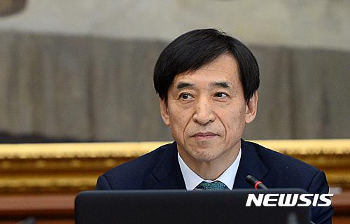 한국은행 기준금리 인하. 이주열 한국은행 총재. /자료사진=뉴시스