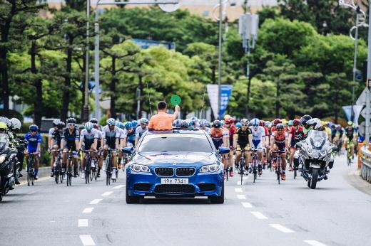 BMW 코리아, 투르 드 코리아 2016 의전차 지원 /사진=BMW 코리아 제공