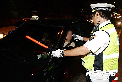 인천경찰이 음주운전 단속 지점을 9개소에서 20개소로 크게 늘려 실시한다. /자료사진=뉴시스