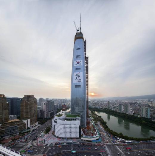 '제2롯데월드' 인허가 둘러싼 의혹들