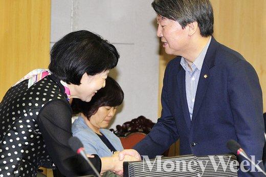 [MW사진] '안철수 국민의당 대표, 안녕하십니까'