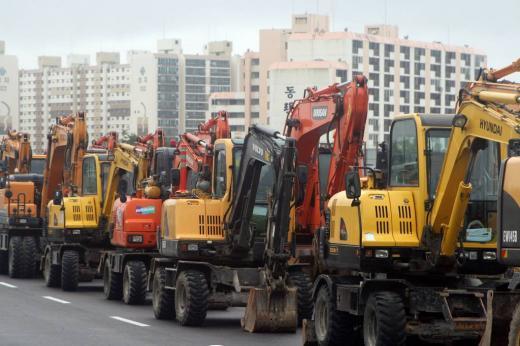 구조조정·안전사고, 흔들리는 건설업계… 대안은?