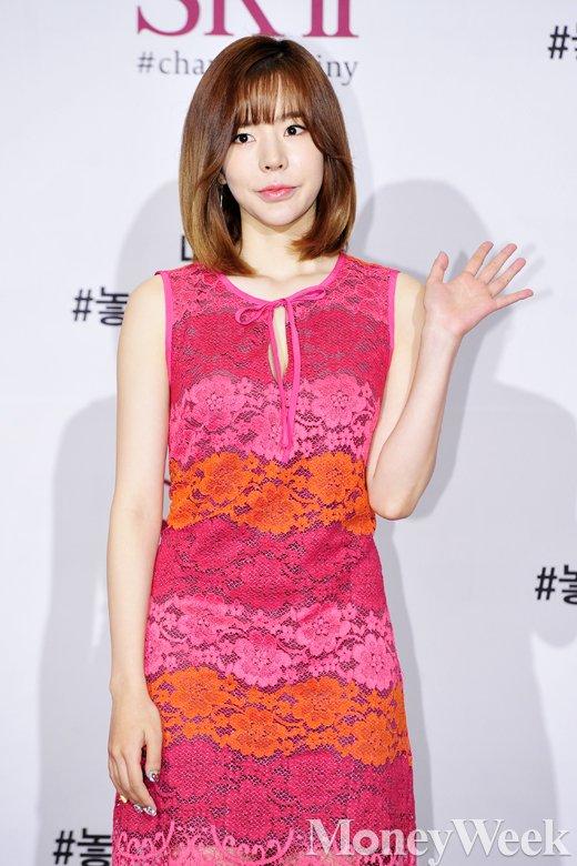 [MW사진] 소녀시대 써니, '시선 붙잡는 꽃무늬 원피스'