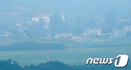 靑 NSC 상임위 개최. 짙은 안개 낀 북. /자료사진=뉴시스