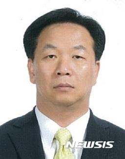 박근혜 대통령은 24일 신임 인사혁신처장에 김동극 대통령비서실 인사비서관을 임명했다. /자료사진=뉴시스(청와대 제공)
