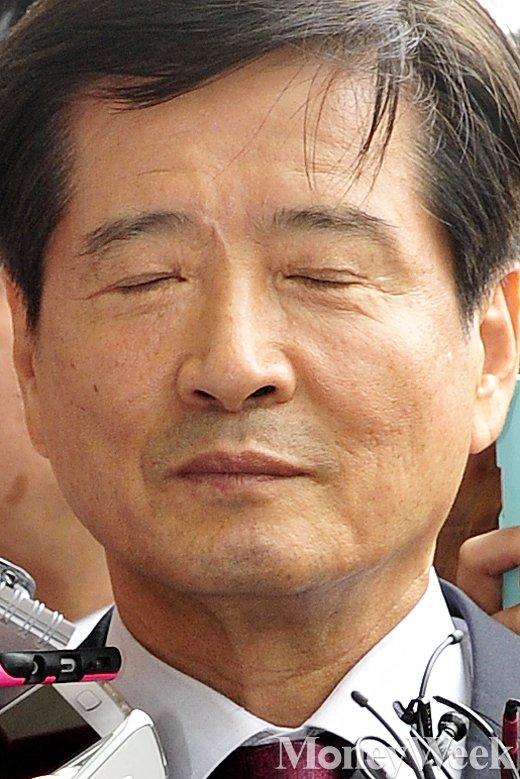 [MW사진] 두 눈 질끈 감은 남상태 전 대우조선해양 사장