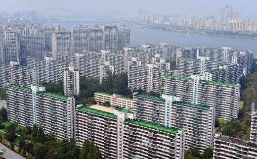 서울 평균 집값이 5억원을 훌쩍 넘긴 것으로 나타났다. /사진=뉴시스 DB